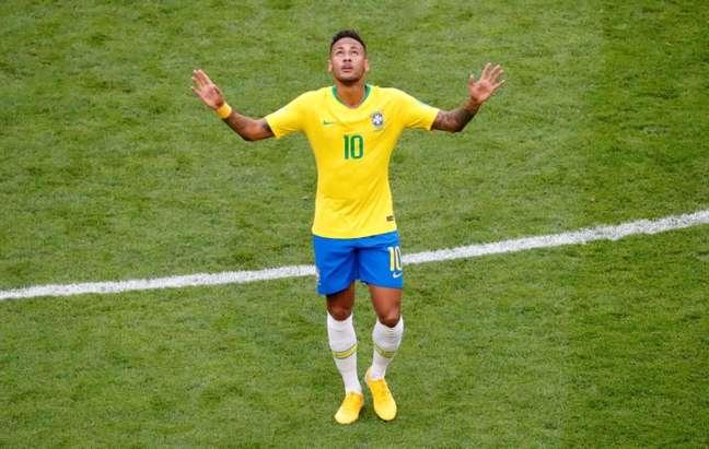Neymar comemora o primeiro gol da vitória do Brasil contra o México 02/07/2018 REUTERS/David Gray