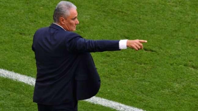 Técnico da Seleção Brasileira mudou esquema tático do Brasil e fez com que o time vencesse o jogo (Foto: AFP)