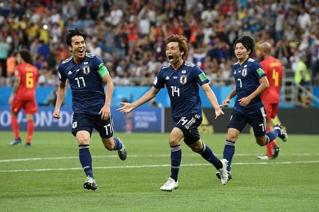 Inui comemora o segundo gol japonês