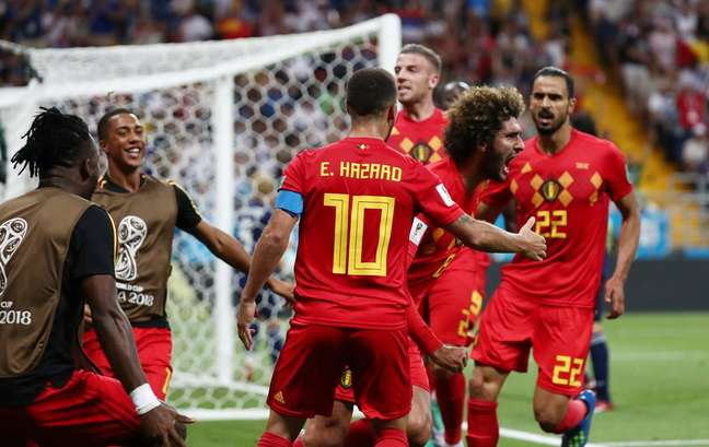 Fellaini e Hazard comemoram empate da Bélgica