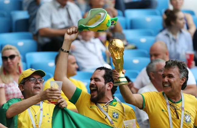 Torcida está empolgada com a campanha do Brasil na Copa