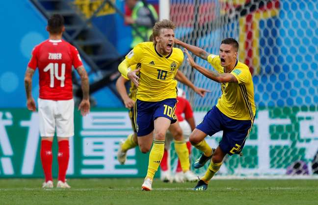 Forsberg comemora gol da Suécia contra a Suíça