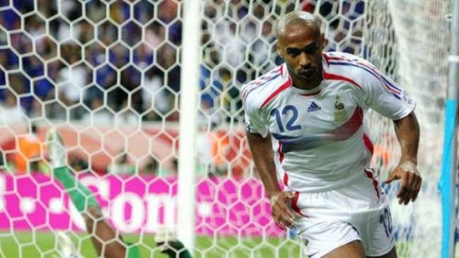Em 2006, ao lado de Zidane, Henry comandou a França que chegou à final da Copa do Mundo e perdeu para a Itália