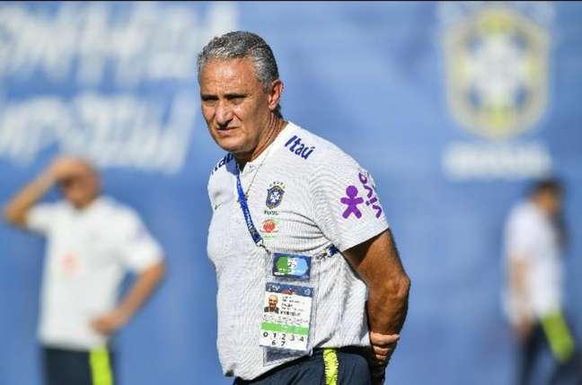 Se Filipe Luís foi titular no último jogo, Tite devolverá a vaga a Marcelo nesta sexta-feira (Foto: Nelson Almeida/AFP)