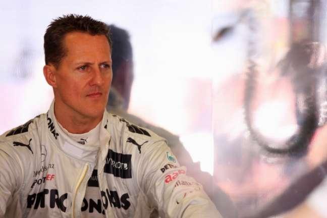Schumacher está hospitalizado desde dezembro de 2013, quando se chocou com uma rocha ao esquiar nos Alpes Suíços