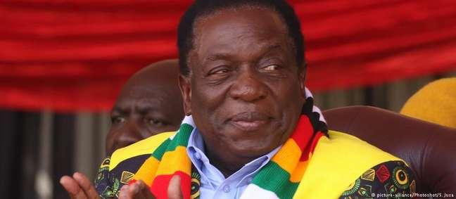 Emmerson Mnangagwa assumiu governo em novembro do ano passado