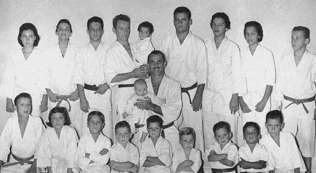 Família Gracie foi a percursora do Jiu-Jitsu Brasileiro, praticado em centenas de países atualmente (Foto: Arquivo)