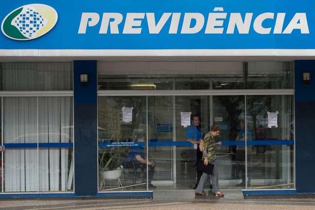 A equipe do relator da reforma da Previdência, deputado Samuel Moreira (PSDB-SP), avalia maneiras de elevar a arrecadação do INSS