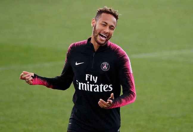 Neymar em treino do PSG