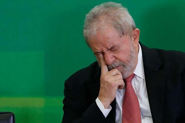 Durante a madrugada, os ministros do tribunal negaram por 6 votos a 1 que Lula faça campanha como candidato, incluindo em propaganda eleitoral, veiculada em rádio e televisão