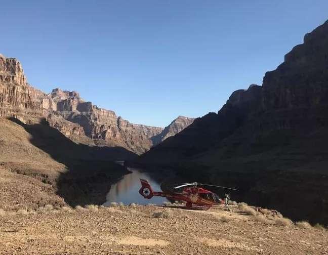 Tour de helicóptero leva ao Grand Canyon West