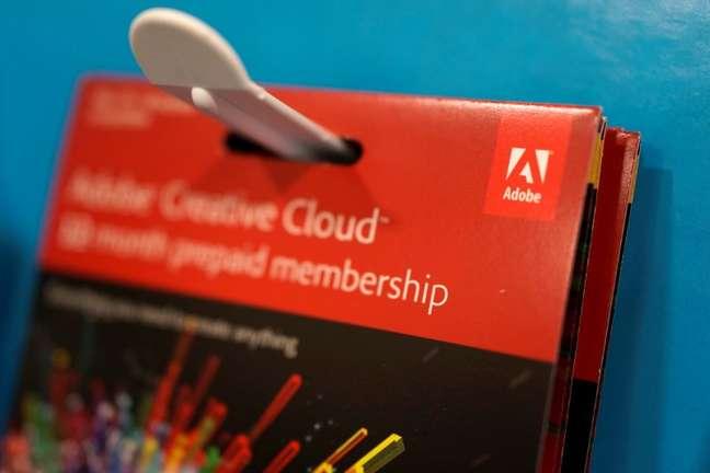 Caixa de software da Adobe Systems Inc em exposição em loja de Los Angeles 13/05/ 2017. REUTERS/Lucy Nicholson