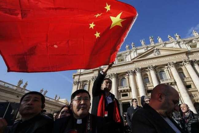 Chineses acompanham audiência geral do papa Francisco, em 26 de setembro, no Vaticano