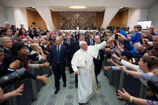 Papa Francisco se reúne com membros da Associação Nacional da Polícia de Estado da Itália, no Vaticano
