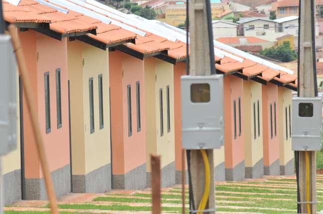 """Casas do residencial Dona Emília, que fazem parte do Programa Federal """"Minha casa, minha vida"""", em Jaú, no Estado de São Paulo."""