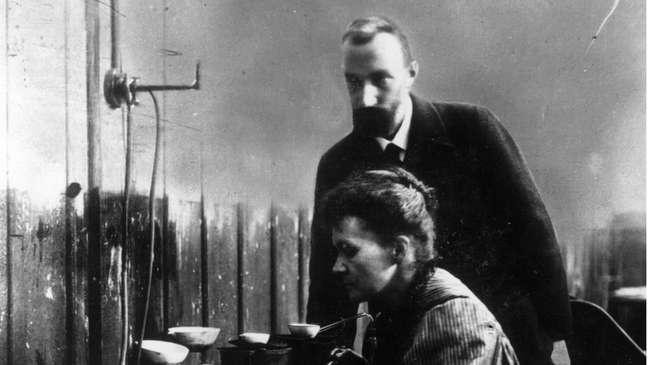Marie Curie e o marido, Pierre Curie