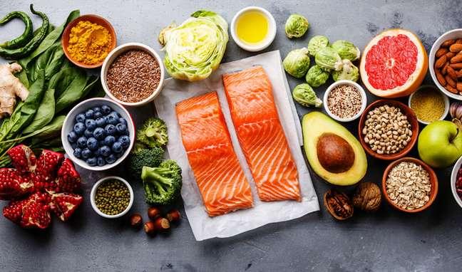 Os principais alimentos da dieta Low Carb são os legumes, verduras, frutas, peixes e carnes magras em geral