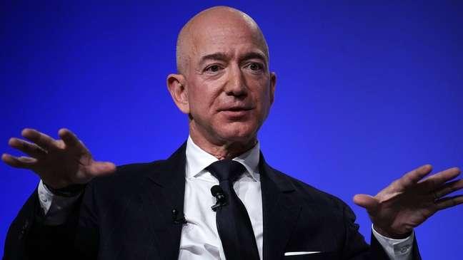 Bezos, que fundou a Amazon, é atualmente o homem mais rico do mundo, mas tem tido prejuízo bilionário para manter sua empresa espacial aberta