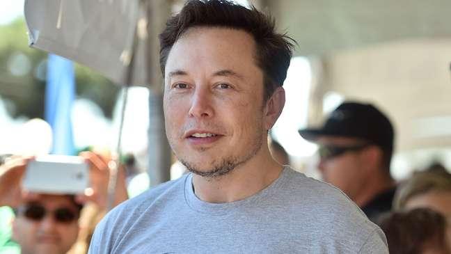 Elon Musk, também dono da Tesla, fez sua fortuna com a empresa de serviços financeiros online PayPal