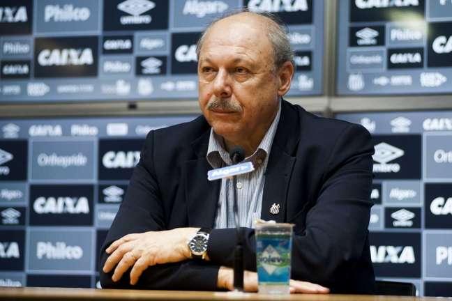 Desde o começo de sua gestão no Peixe, Peres sempre falou em se reaproximar da TV Globo (Foto: Ivan Storti/Santos)