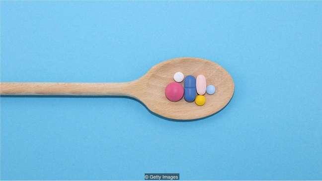 Um terço dos adultos no Reino Unido que toma diariamente suplementos inclui a vitamina D em seu coquetel