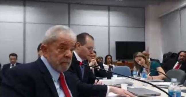 Lula presta depoimento à Gabriela Hardt