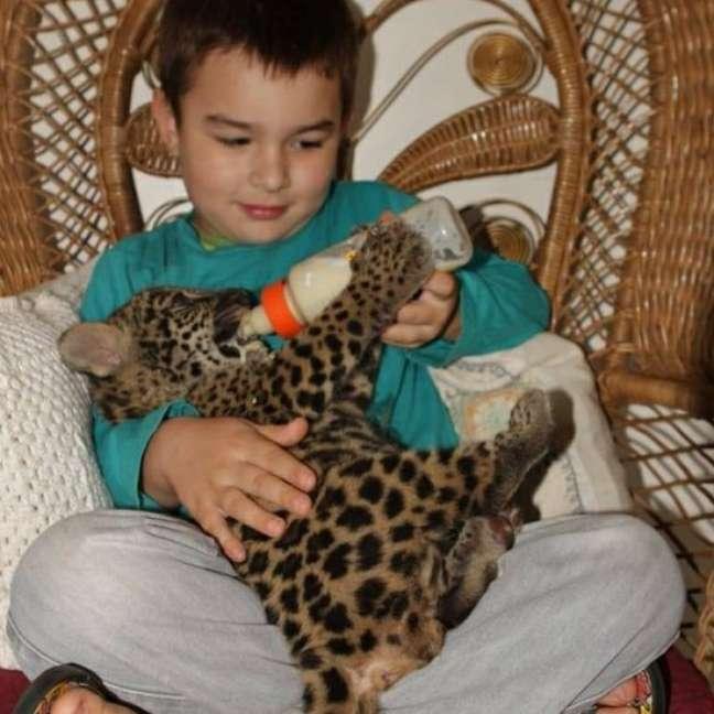 Tiago é filho de biólogos que trabalham com a preservação das onças-pintadas