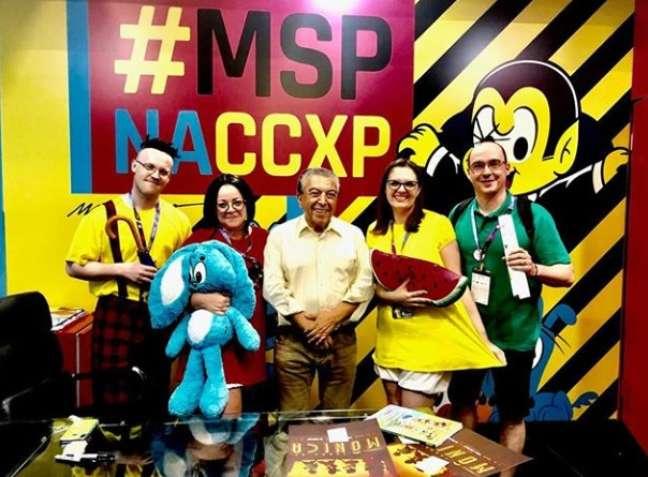 Maurício de Sousa atende fãs com cosplay da Turma da Mônica na CCXP18