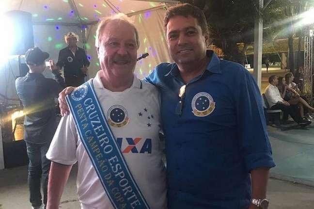 O presidene Wagner Pires de Sá e o vice de futebol, Itair Machado, dizem que receberam o clube com muitas dívidas, o que gerou a atual crise financeira da Raposa- Foto: Reprodução Instagram
