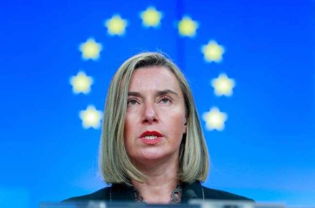 UE lamenta posse de Maduro e diz que reagirá se crise piorar