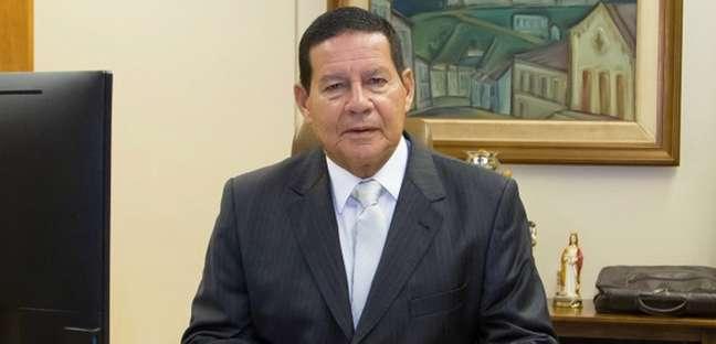 O vice-presidente ajuda a melhorar a relação do Planalto com a imprensa