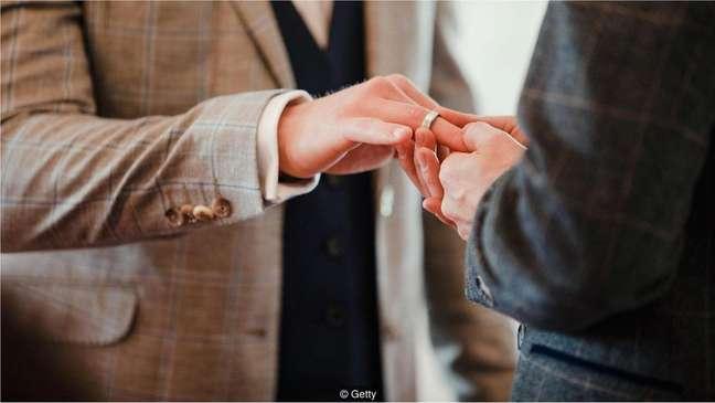Casar-se entre 28 e 32 anos foi associado a níveis mais baixos de divórcio