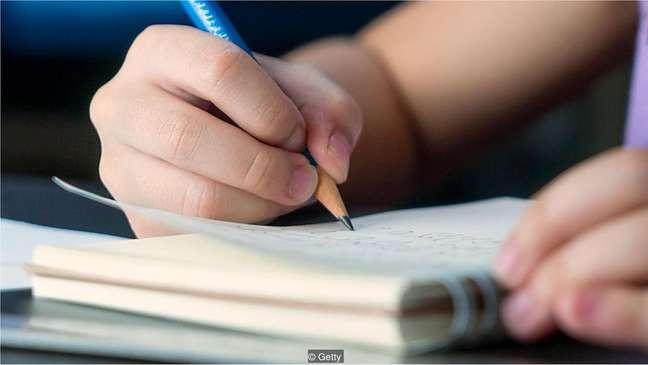 Crianças nascidas em setembro têm melhores resultados nos exames do que aquelas nascidas em agosto