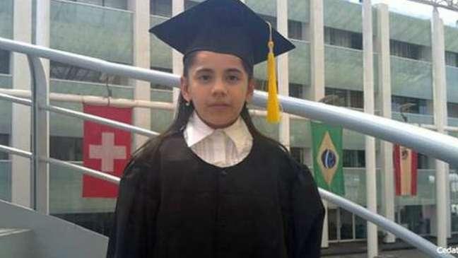 Dafne se formou em psicologia aos 13 anos