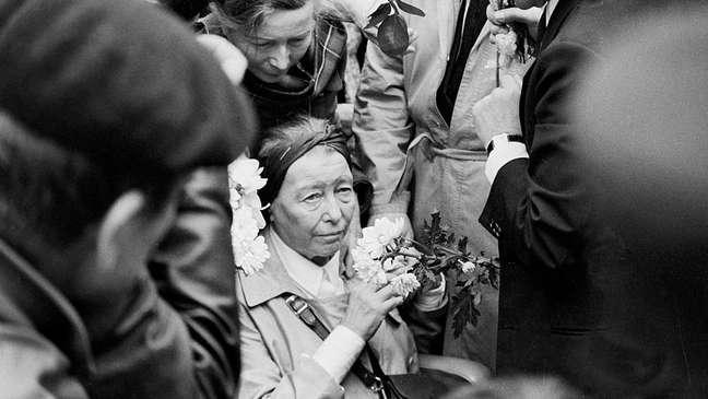 Beauvoir desmaiou e precisou ser hospitalizada após o funeral de Sartre