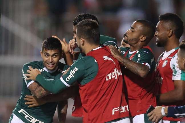 Dudu, do Palmeiras, comemora seu gol durante partida contra o time do Novorizontino, válida pelo segundo jogo das quartas de final do Campeonato Paulista, no estádio Paulo Machado de Carvalho ( Pacaembu ), na zona oeste de São Paulo, nesta terça- feira, 26.