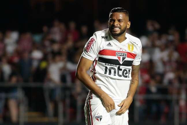 Reinaldo, do São Paulo, em partida contra o Palmeiras, válida pelas semifinais do Campeonato Paulista 2019, no Estádio do Morumbi, na capital paulista, neste sábado (30).