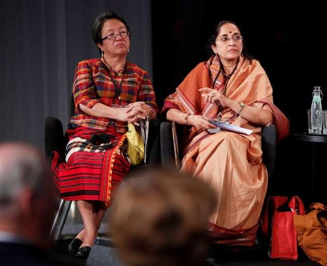 Vicky Taulo-Corpuz (à esquerda), relatora especial da ONU para os Direitos dos Povos Indígenas, em evento em Oslo  19/06/2017 NTB Scanpix/Lise Aserud/via REUTERS