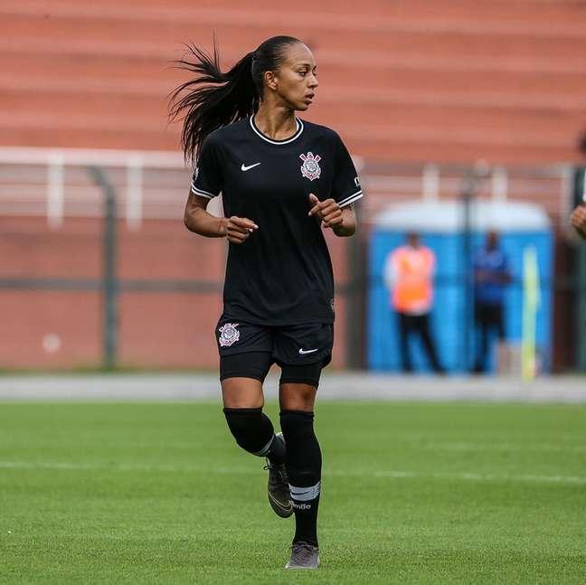 Adriana em ação pelo Corinthians