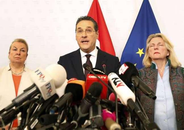 Heinz-Christian Strache anuncia sua saída do cargo de vice-chanceler