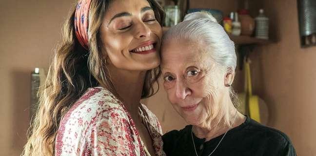 Maria da Paz (Juliana Paes) e Dulce (Fernanda Montenegro): mulheres fortes envolvidas em conflitos familiares