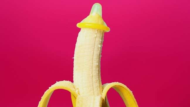 Governos vêm realizando campanhas para incentivar o uso de preservativos