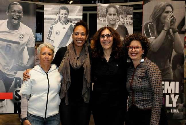 As curadoras da exposição: Lu Castro, Aline Pellegrino, Silvana Goellner e Aira Bonfim