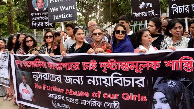 Manifestantes cobram punições judiciais aos acusados