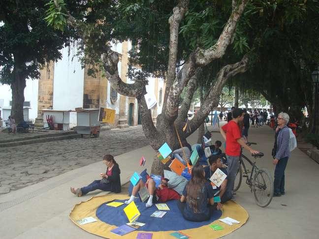 Imagem geral da cidade de Paraty durante a 13ª Festa Literária Internacional de Paraty; edição de 2019 homenageia Euclides da Cunha