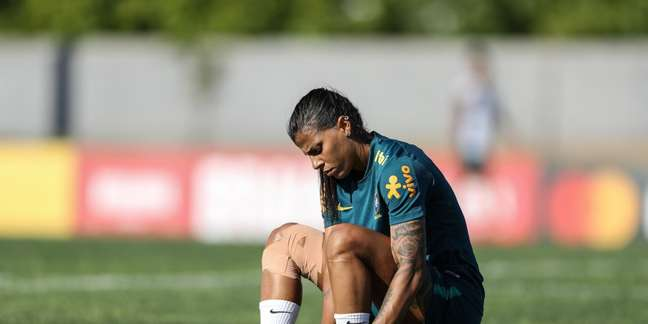 Fabiana é desconvocada para jogar a Copa
