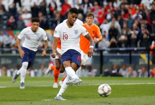 Rashford faz o gol da Inglaterra