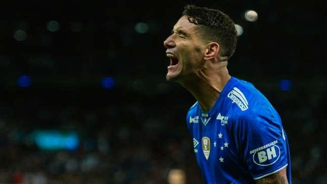 Thiago Neves foi o destaque da classificação do Cruzeiro (Foto: Rodney Costa/Eleven)