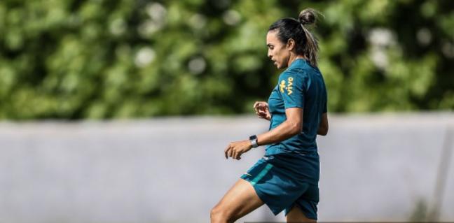 Marta está fora da estreia (Foto: Rener Pinheiro /MoWA Press)