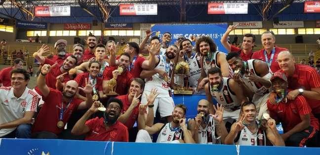 Flamengo constrói boa vantagem, passa sufoco, mas conquista o NBB (Divulgação Twitter)